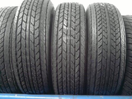 Venda de pneus usados em italia