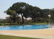 ALuga-se T2 em QUARTEIRA c/ piscina