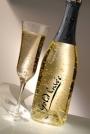 Champagne com folhas de ouro 22 quilates, com suas castas classificadas, rosa, morango e licor de lei para ser personalizado para cada casamento ou evento corporativo algo exclusivo e único 22 quilate