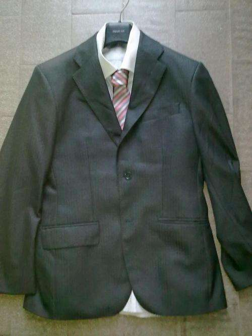 d74eef0739 Vende-se roupa e acessórios semi   novos (usados apenas uma vez) em ...