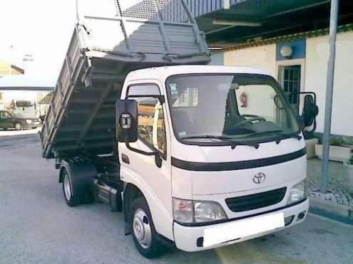 Toyota dyna 35.25 tri-dump-kilometros 235000