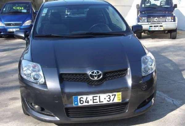 Toyota auris d4d comercial 67000 km 07 3500 ?