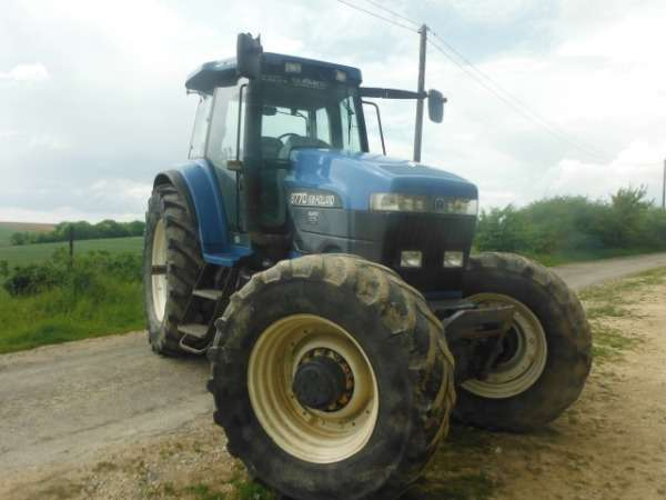 Trator new holland 8770